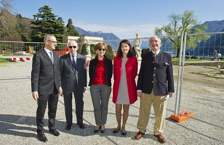Como Villa Olmo presentazione progetto riqualificazione parco di Villa Olmo, nella foto da sinistra Mario Lucini, Giuseppe Guzzetti, Maria Rita Livio, Daniela Gerosa e Ambrogio Taborelli