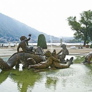 La fontana monumentale di Villa Olmo